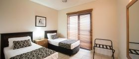 airlie-beach-3bedroom-terrace-2